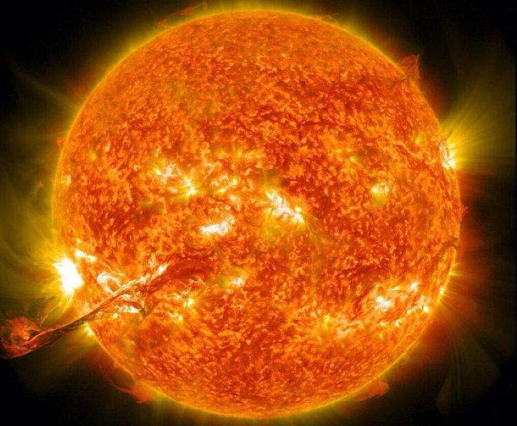 Matahari, Sebuah Bintang